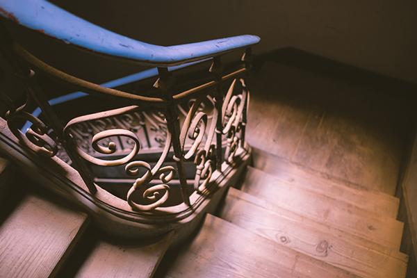 Escalier sur-mesure article Maison du Menuisier